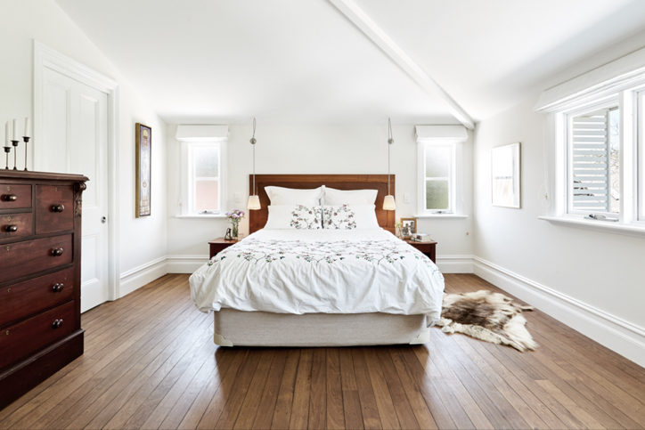 tallowwood reclaimed timber floor in bedroom - INSIDESIGN interior design blog