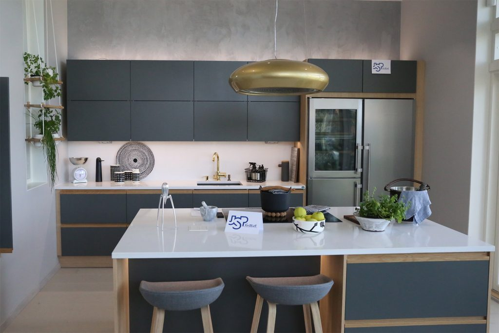 grey-and-wood-kitchen