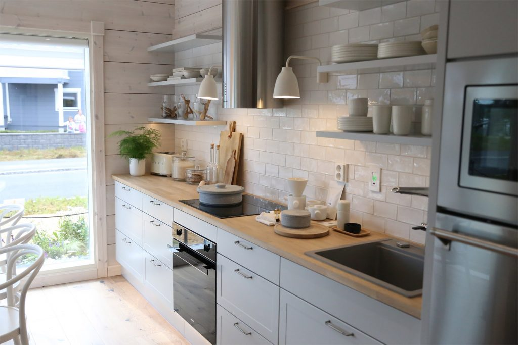 white-traditional-kitchen